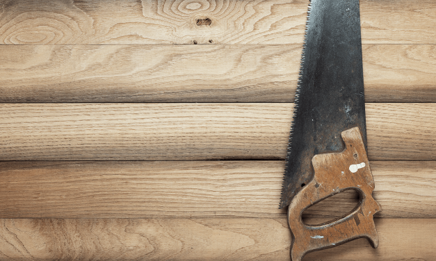 Das Holz Sägen nach der Trauung und andere Bräuche