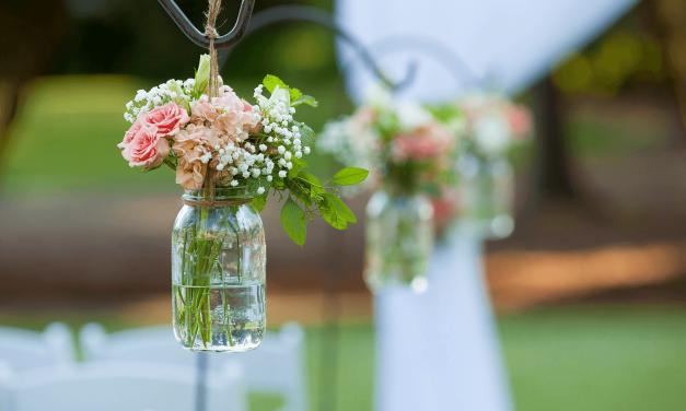 Blumen und Dekorationen zur Hochzeit